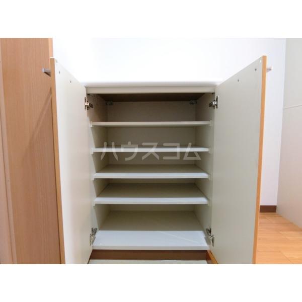 ROXY TAKAHATA 2411 105号室の収納