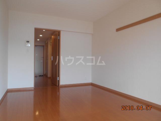 ROXY TAKAHATA 2411 210号室のリビング