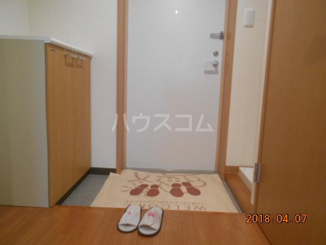 ROXY TAKAHATA 2411 210号室の玄関