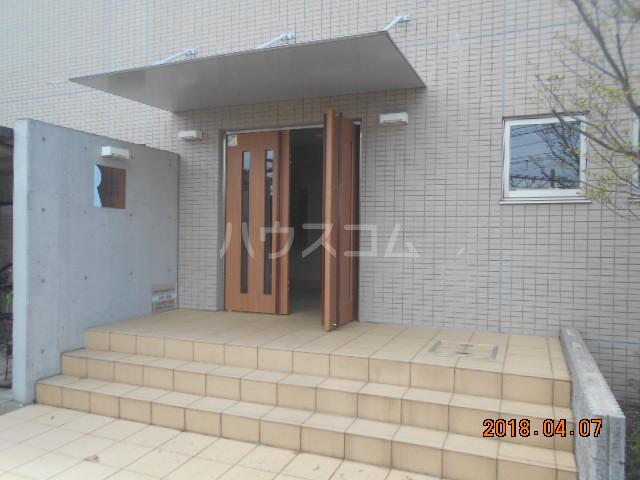 ROXY TAKAHATA 2411 210号室のエントランス