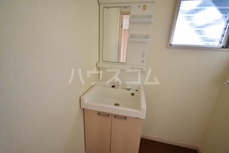 第1竹見荘 103号室の洗面所