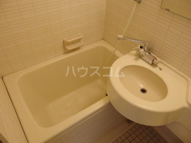 ガーデンヒルズ聖蹟桜ヶ丘 707号室の風呂