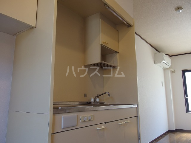エルム高幡B棟 222号室のキッチン