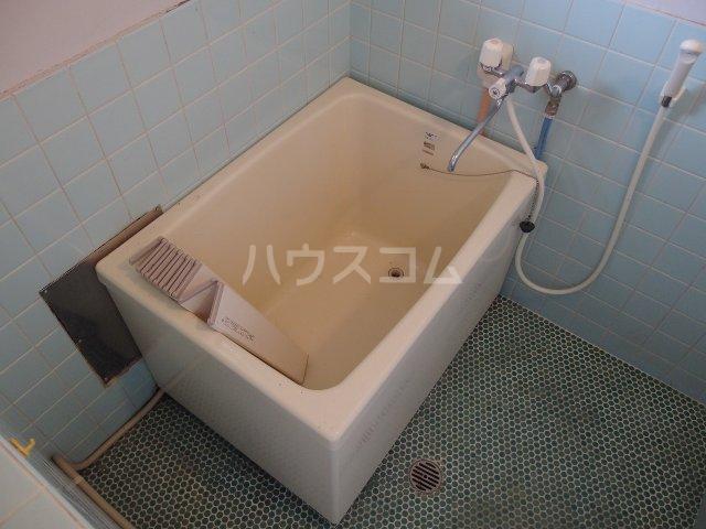 英進ハイツ 105号室の風呂