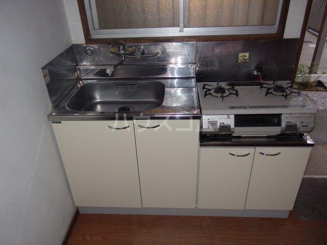 第二杉本荘 101号室のキッチン