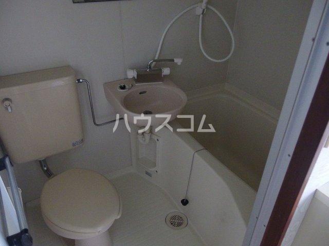 メゾン高幡 306号室の風呂
