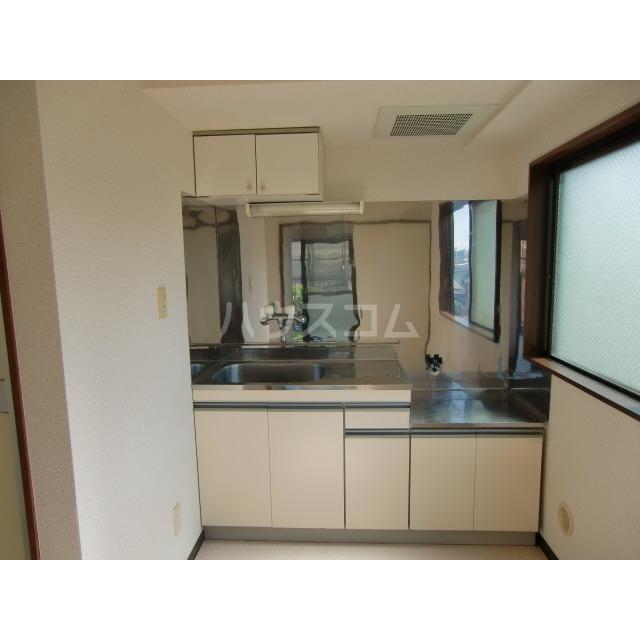 メゾン高幡 306号室のキッチン