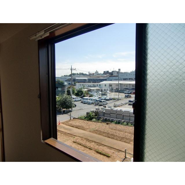 メゾン高幡 306号室の景色
