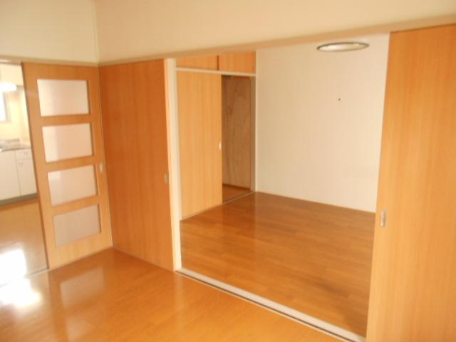 第1スザキハイツ 103号室のリビング