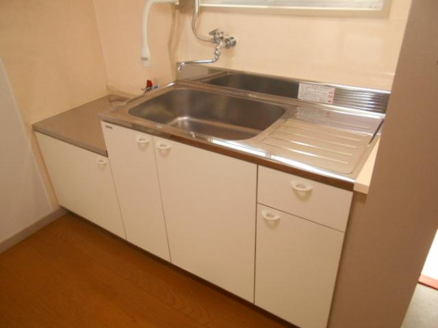 第1スザキハイツ 103号室のキッチン