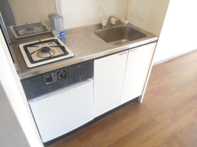 サンドルフ多摩 206号室のキッチン