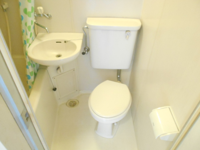 サンドルフ多摩 206号室のトイレ