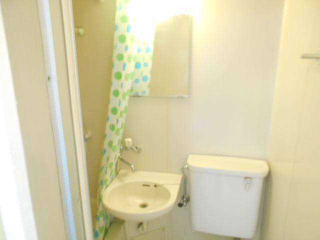 サンドルフ多摩 206号室の洗面所