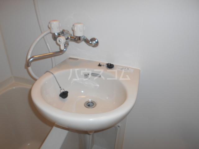 エトワール永山 201号室の洗面所