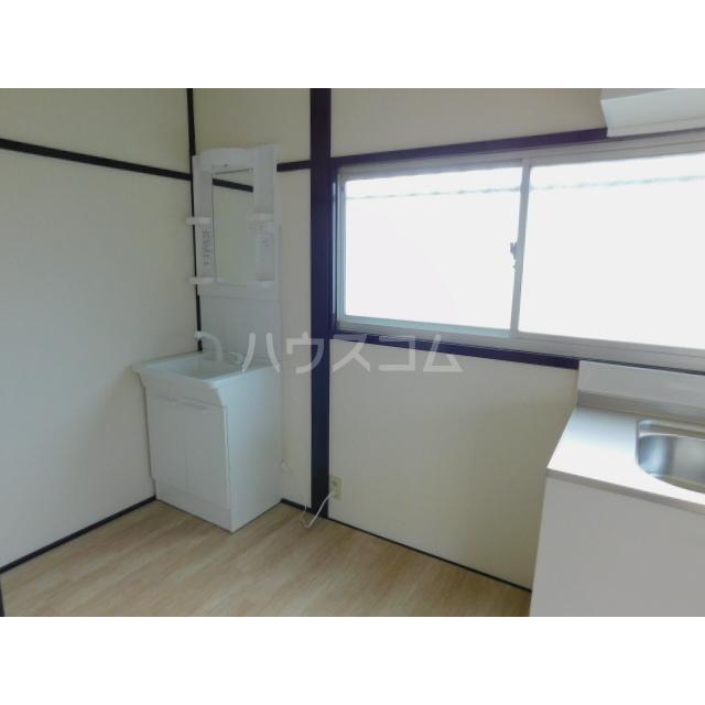 田中貸家の洗面所