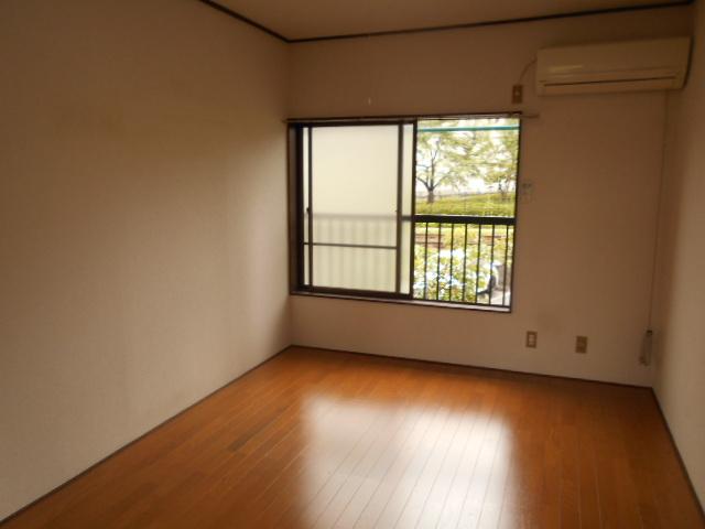 ゆたかハイツ 202号室の居室