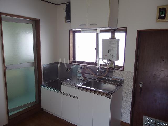 リバーサイド小暮 201号室のキッチン