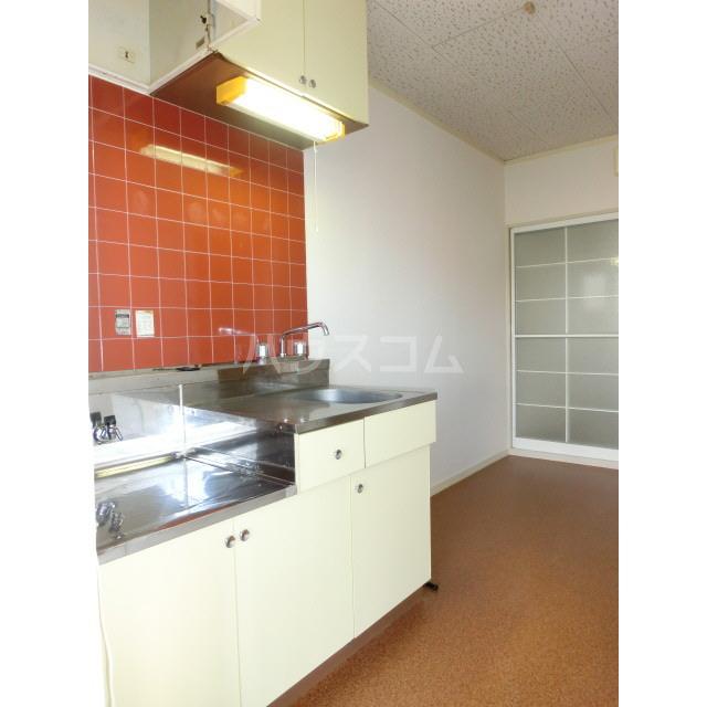 ドリームハイツ 103号室のキッチン