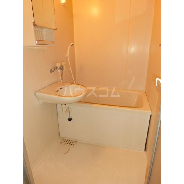 ドリームハイツ 103号室の風呂