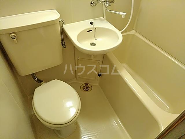 メゾンド・エトワール 301号室の風呂