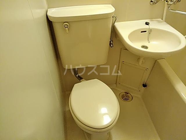 メゾンド・エトワール 301号室のトイレ