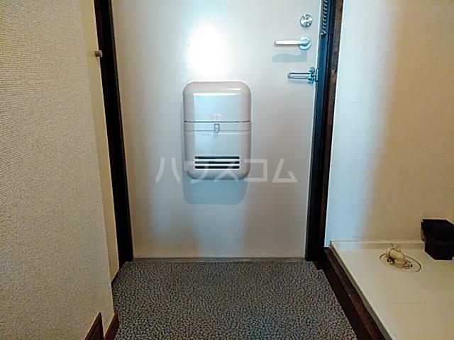 メゾンド・エトワール 301号室の玄関