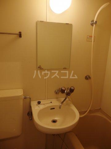 ウィステリア多摩センター 105号室の洗面所