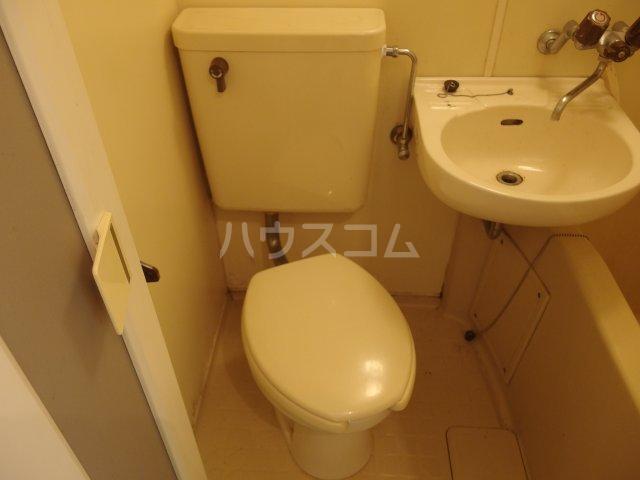 ウィステリア多摩センター 105号室のトイレ