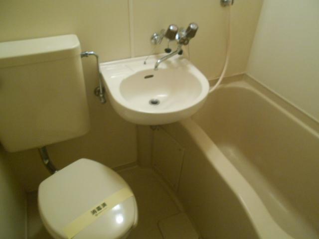 ウィステリア多摩センター 306号室のトイレ