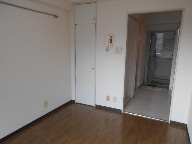 ウィステリア多摩センター 306号室の居室