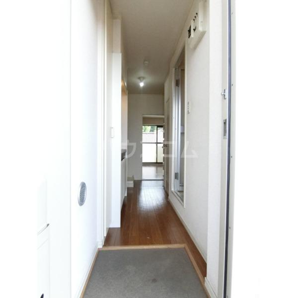 クレールハイムC 305号室の玄関