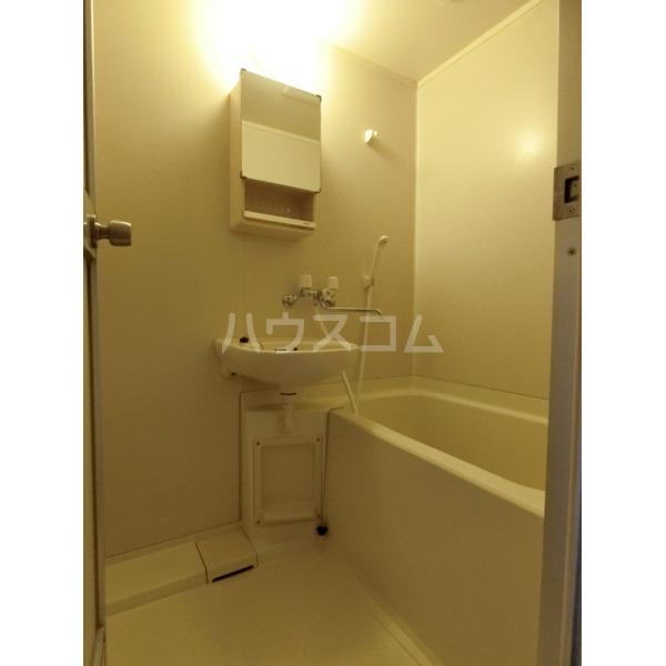 クレールハイムC 305号室の風呂