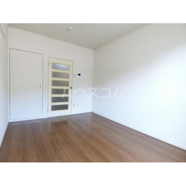 クレールハイムC 305号室の居室