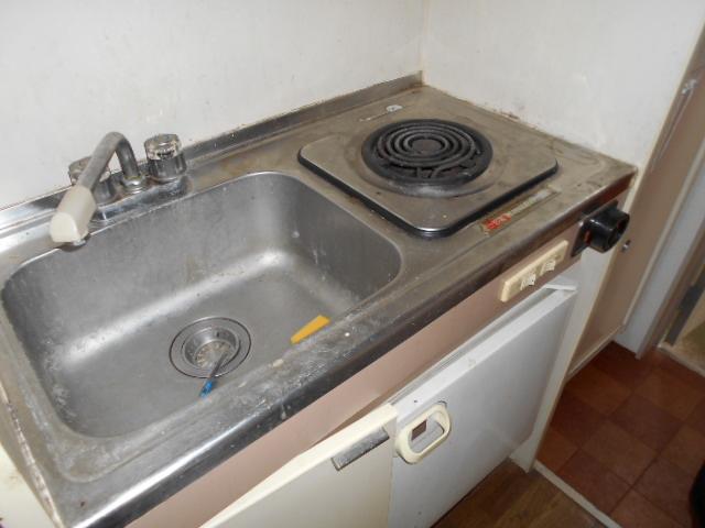 ホワイトウイング連光寺Ⅰ 204号室のキッチン