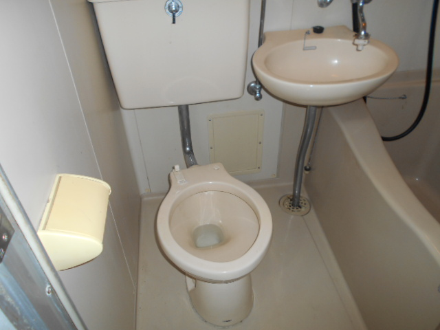 ホワイトウイング連光寺Ⅱ 204号室のトイレ