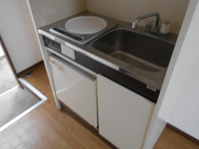 ホワイトウイング連光寺Ⅲ 103号室のキッチン