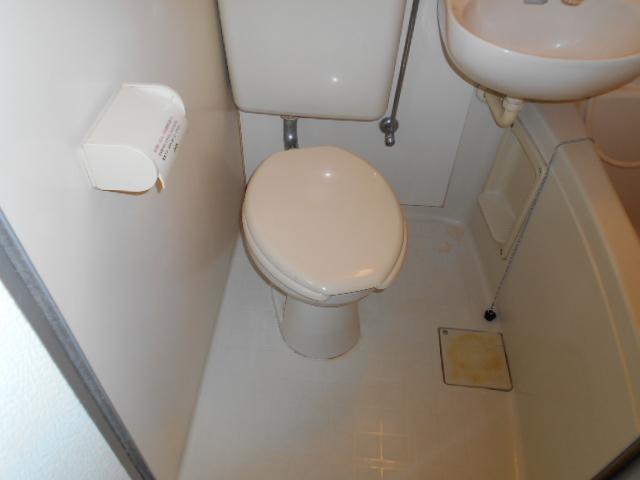 ホワイトウイング連光寺Ⅲ 103号室のトイレ
