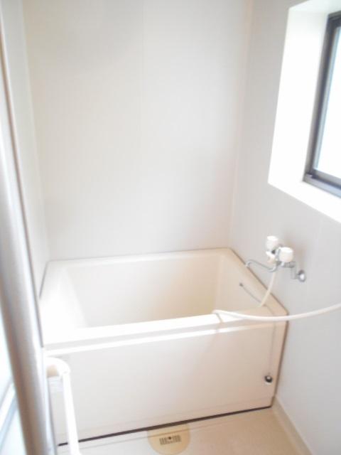 グリーンハイツ多摩 201号室の風呂