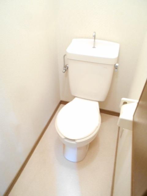 グリーンハイツ多摩 201号室のトイレ
