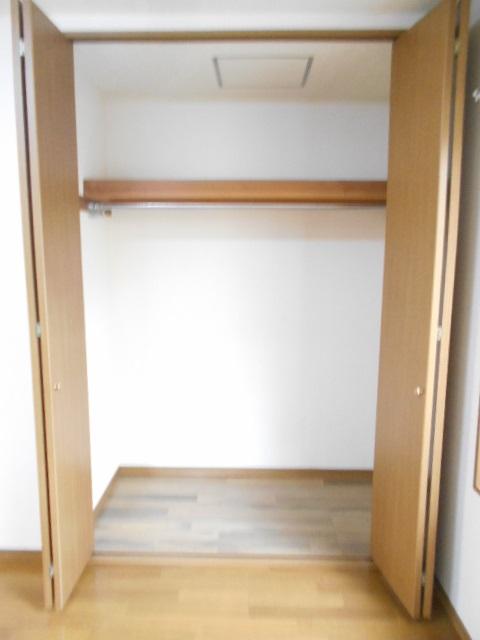 グリーンハイツ多摩 201号室の収納