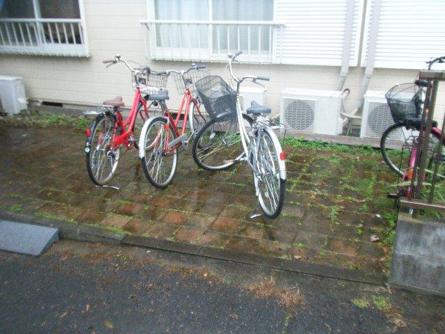 グリーンハイツ多摩 201号室の駐車場