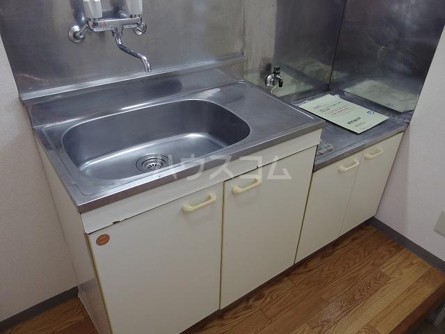 伊野ハイツ 105号室のキッチン