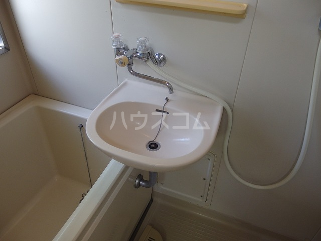 伊野ハイツ 105号室の洗面所
