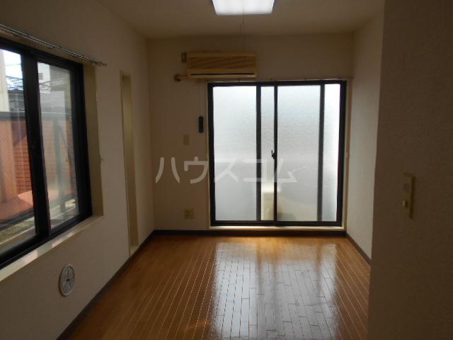アベニューⅡ 405号室のリビング