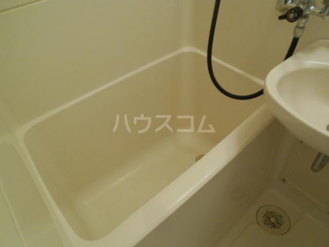 アベニューⅡ 405号室の風呂