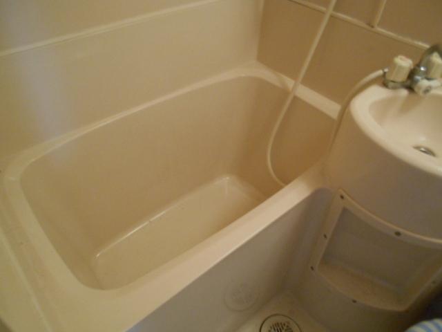 ホワイトウイングI・M 205号室の風呂