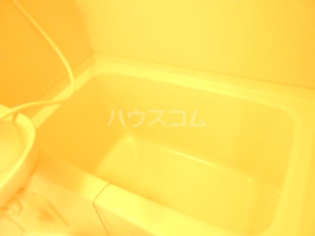 KF6ビル 303号室の風呂