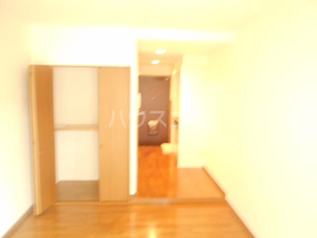 KF6ビル 303号室のリビング