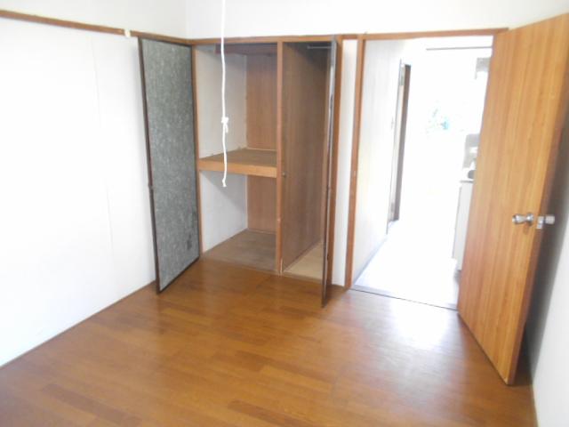走井ハイツ 201号室の居室