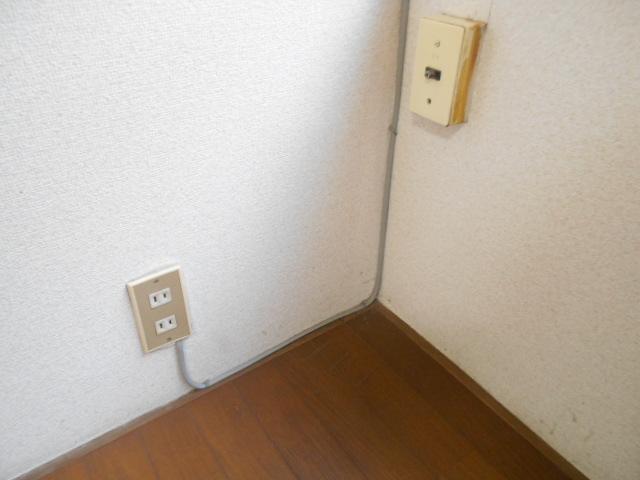走井ハイツ 201号室のリビング